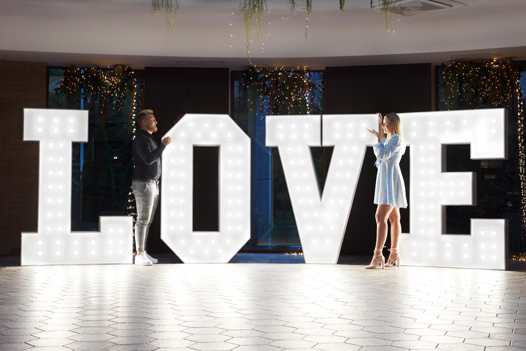 Biały wielki Love